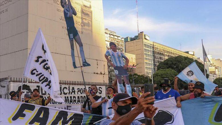 Arjantinde Maradonanın öldürüldüğü iddiasıyla gösteri düzenlendi